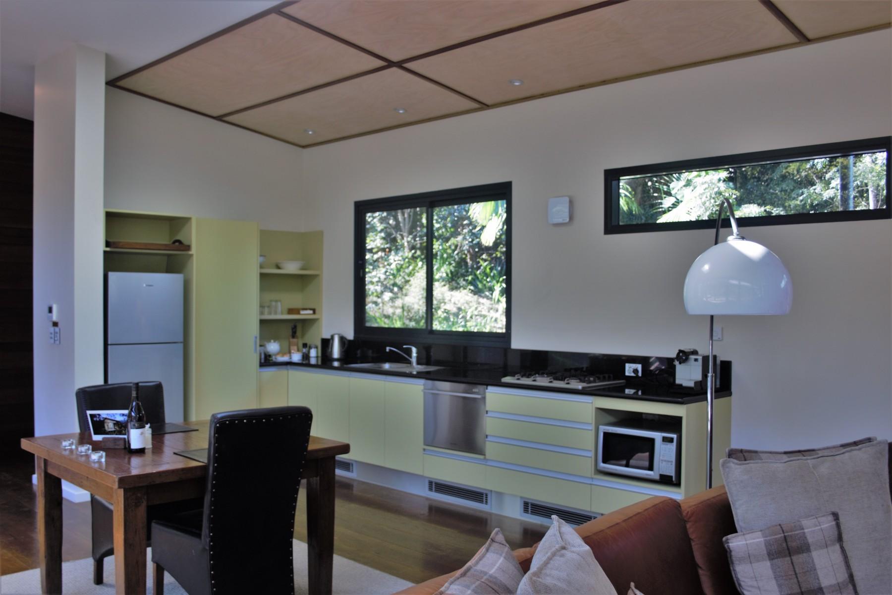 Crystal-Creek-Rainforest-Retreat-Lamington-Lodge-Kitchen-Area.-Image-Kate-Webster